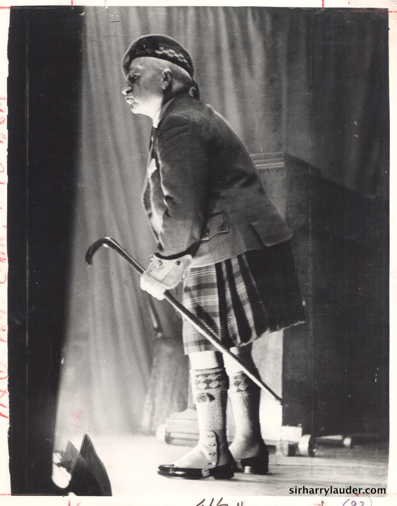 Sir Harry Entertains Nov 18 1939